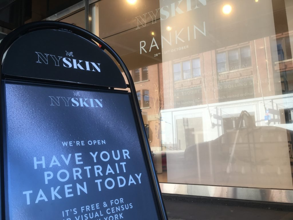 "Pop-up-Event ""Nyskin"" mit Starfotograf Rankin"